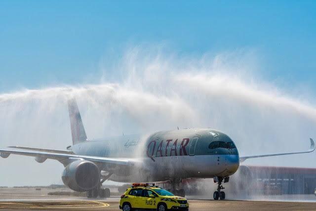 Le premier Airbus A350 sur le tarmac niçois, dimanche.