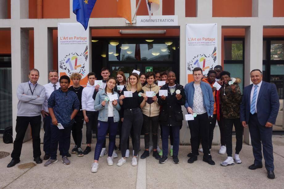 Les 26 délégués des classes de seconde du lycée Pierre-et-Marie Curie se sont récemment vu remettre leur diplôme de SST.(DR)