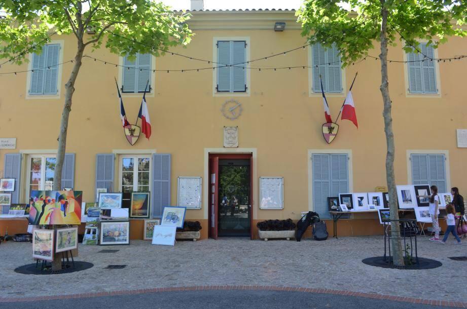 Dimanche, c'est la journée « Chevalets dans la rue » dans le village de Castellar.(DR)