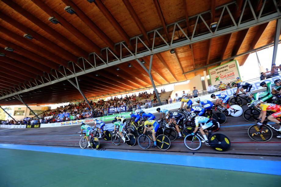 Le vélodrome TPM à Costebelle (ici lors du championnat de France) recevra en septembre ses premiers pensionnaires originaires des Dom Tom.