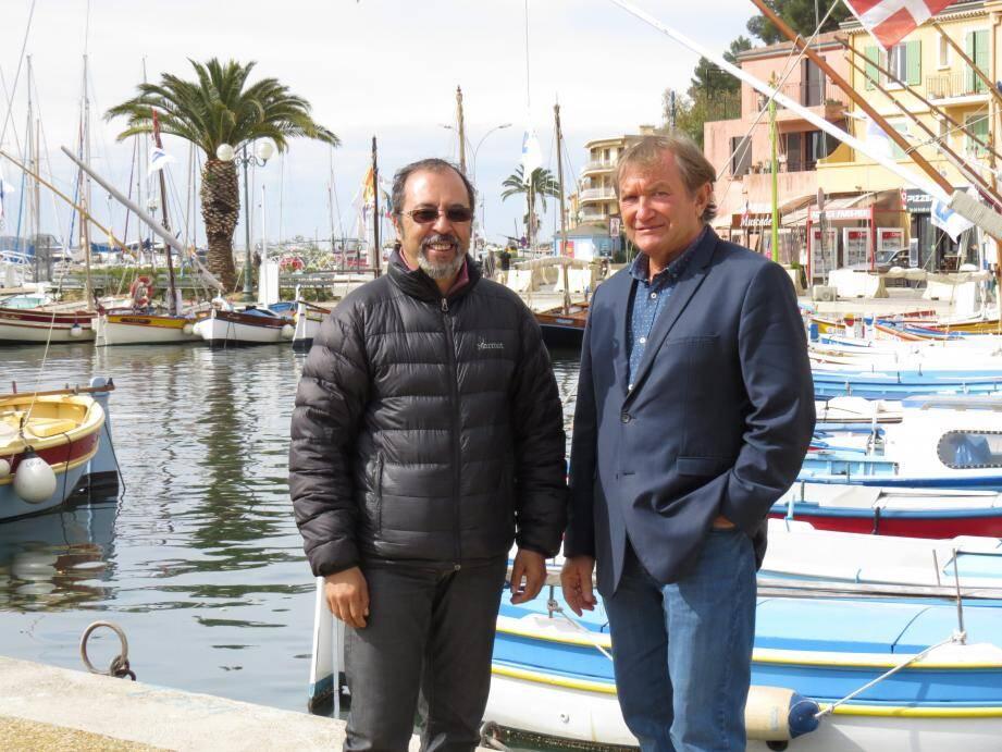 Le comédien Abdel Bouchama (à gauche) et Luc Royet, directeur du centre Les Oiseaux ont concocté un programme riche entre animations et moments pédagogiques.