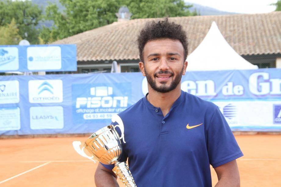 Le Nîmois, parfois qualifié de « sale gosse » du tennis français, a largement dominé Corentin Denolly hier en finale (6-2, 6-3).