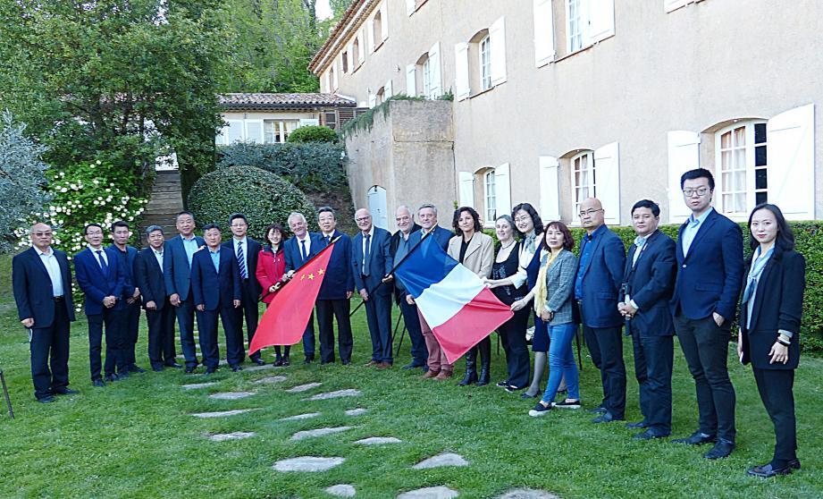 Les élus du Haut-Var ont reçu la délégation chinoise à la Bastide du Calalou, pour un dîner et une nuit.