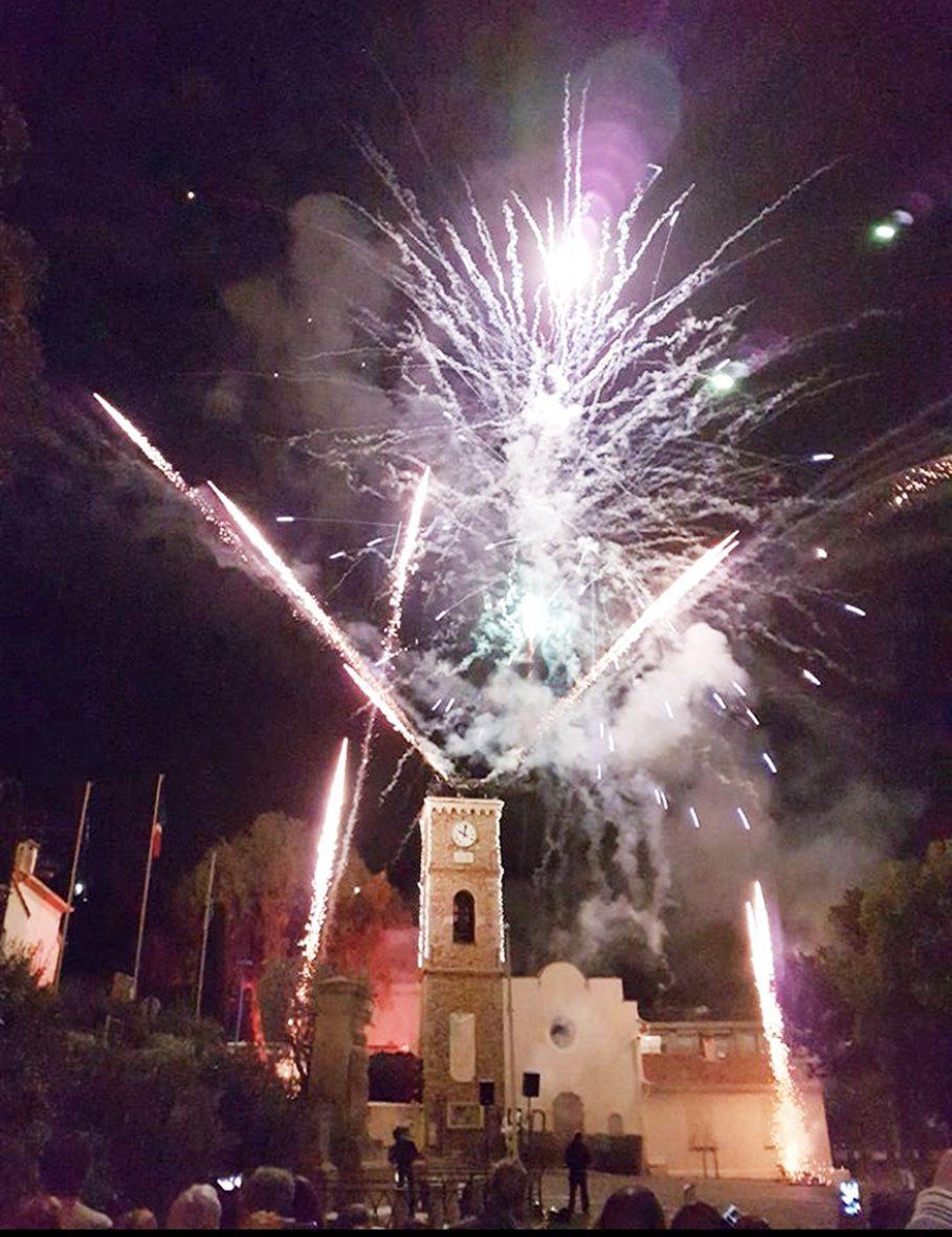 Le traditionnel feu d'artifice embrasera le ciel samedi soir à 22 heures.(DR)
