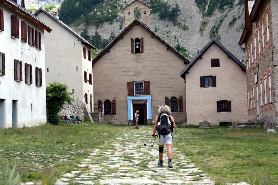 Le sanctuaire de la Madone de Fenestre,  un haut lieu de randonnée.