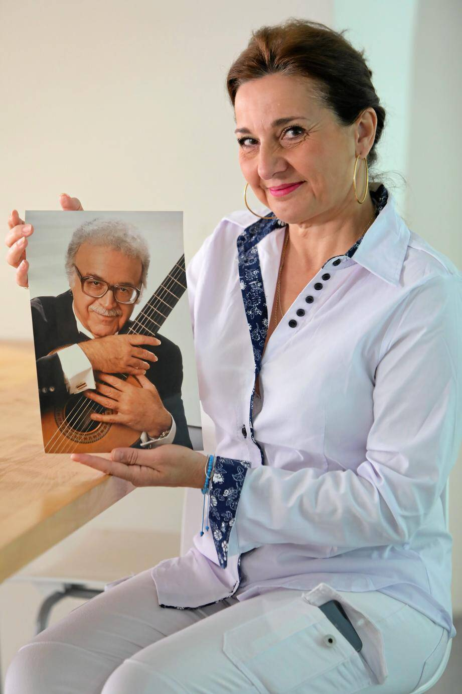 À travers « Nice guitare Presti-Lagoya », Isabelle Presti-Lagoya veut perpétuer l'histoire de la belle guitare française grâce à deux illustres musiciens : ses grands-parents.