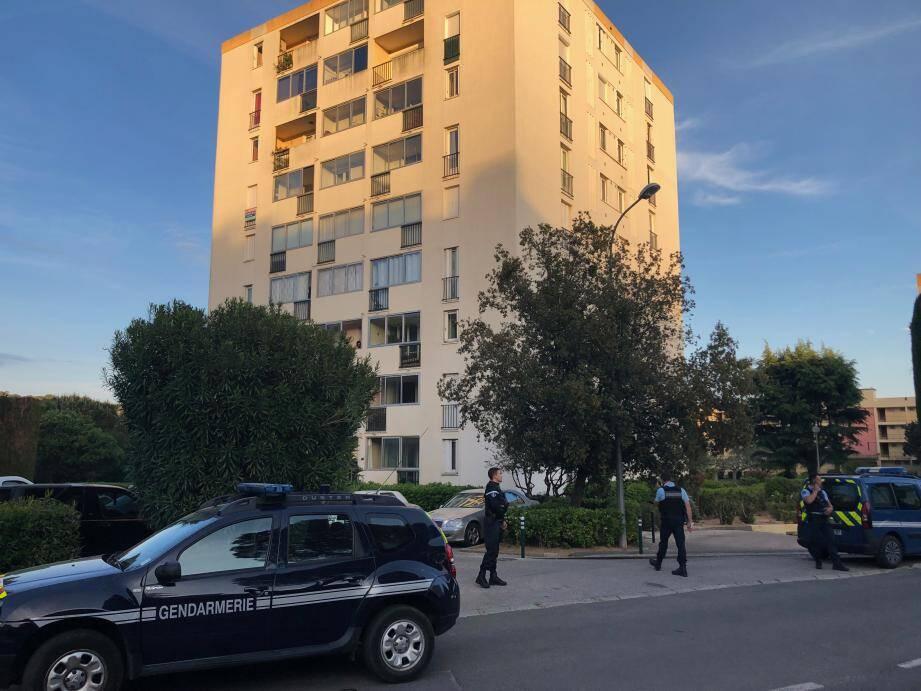 Les gendarmes ont bouclé le quartier du Capet d'Azur pendant une heure et demie ce mardi, par mesure de sécurité.