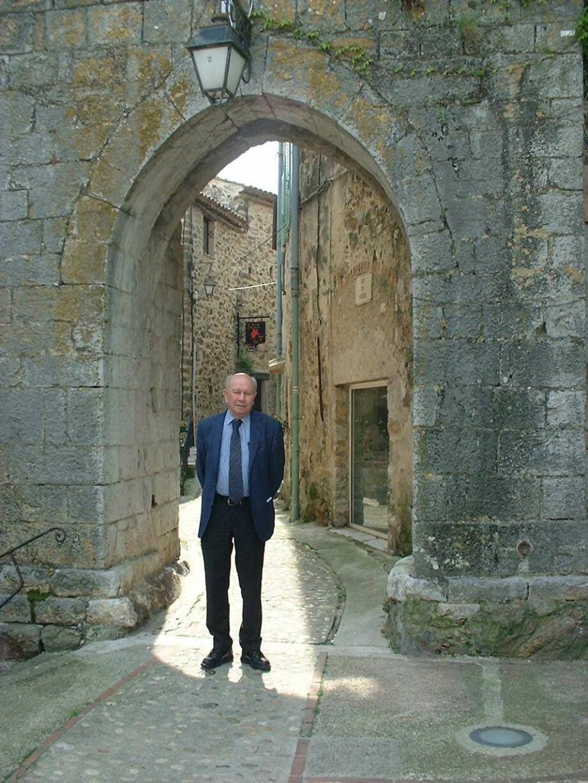 Le maire s'attache à mieux faire connaître le patrimoine de sa commune.