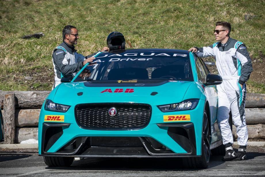 Après l'opération séduction menée jeudi sur le col du Turini, douze I-Pace de compétition s'affrontent ce samedi sur le circuit de Monaco.