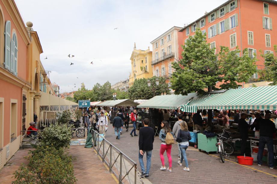 C'est à cet endroit que l'altercation s'est déroulée, hier matin, sur le cours Saleya, dans le Vieux-Nice