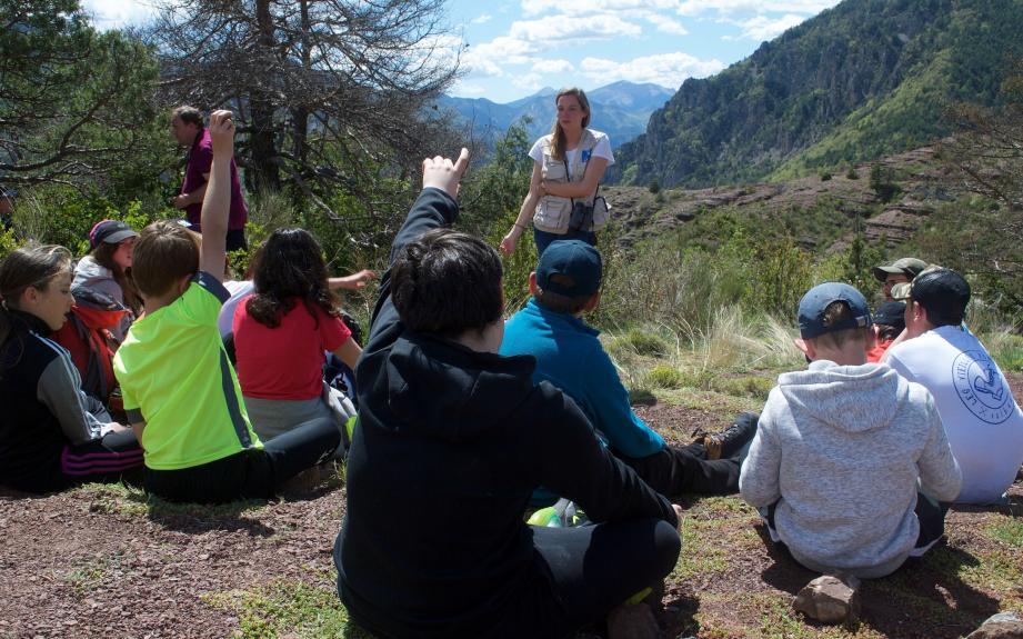 Les collégiens de Puget-Théniers ont été encadrés par les animateurs de la réserve naturelle.
