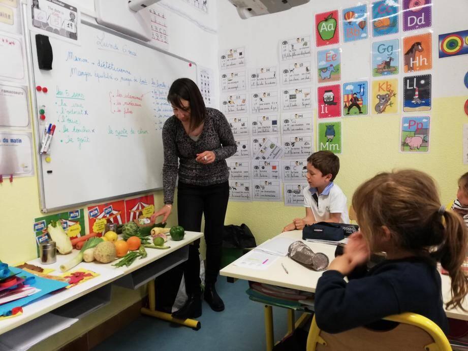 De la maternelle à la primaire, les écoliers ont réalisé des ateliers ludiques mais éducatifs autour des fruits et légumes frais.
