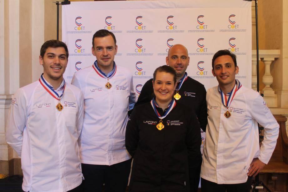 De gauche à droite: Thomas Subrin, Mof boulanger; Arnaud Faye, Mof cuisine; Julie Bonnot, Mof gouvernante; David Palanque, Mof barman; Paul Occhipinti, Mof chocolatier.