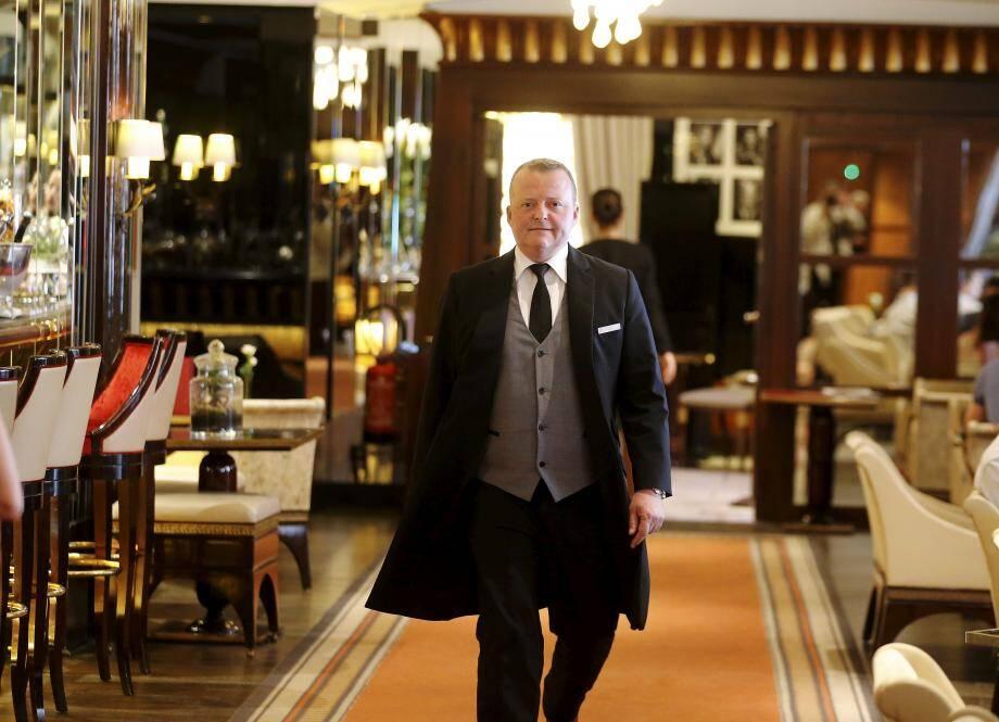 Costume trois pièces et sourire aux lèvres, Gilles Carletto est depuis 2010 le majordome de l'hôtel Majestic.