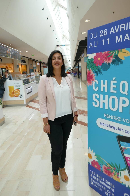 À 32 ans, Joanna Elbaz possède déjà les compétences et l'expérience qui expliquent sa nomination au poste de directrice du centre commercial le plus prisé des Varois, attirant 10 millions de visiteurs par an.