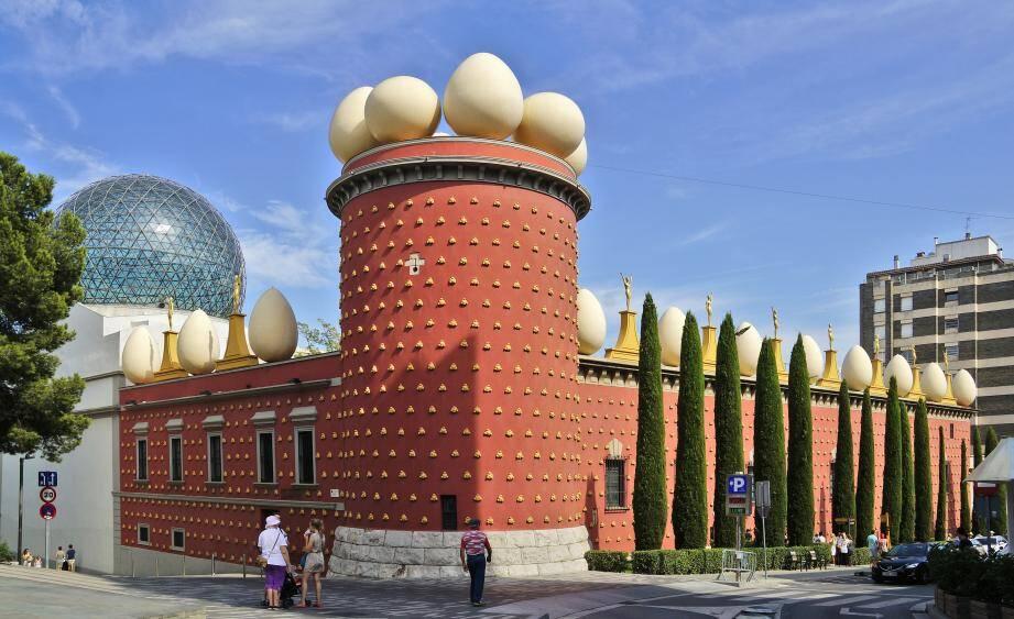 À Figueras, sa ville natale, tout ou presque tourne autour du musée que Salvador Dalí a pensé et fait bâtir.