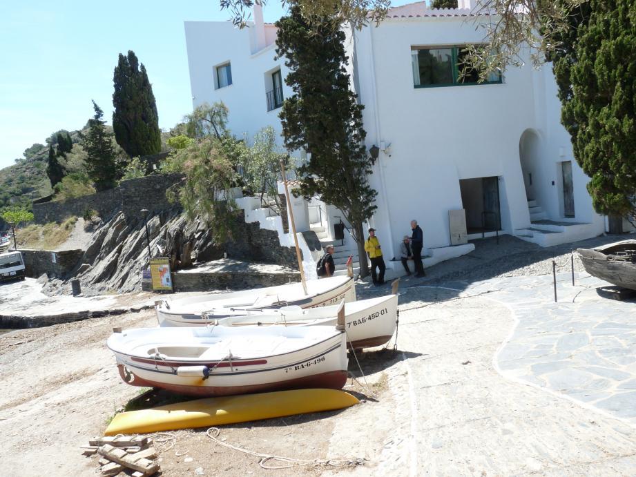 Ancienne cabane de pêcheurs, la maison de Portlligat devient l'antre de l'artiste dès les années 30.