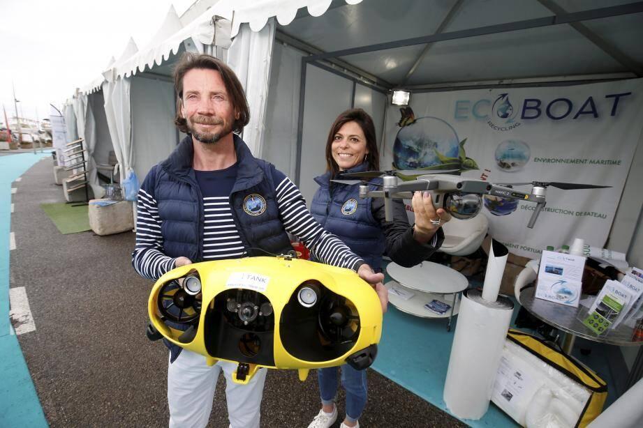 Équipés d'un drone aérien et sous-marin, les équipes de Wilfried Point auscultent la mer pour la sauver de la pollution humaine.