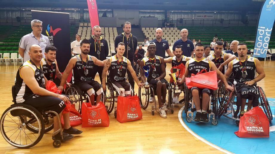 Les Hornets battu en finale du championnat de Franc par Hyères.DR