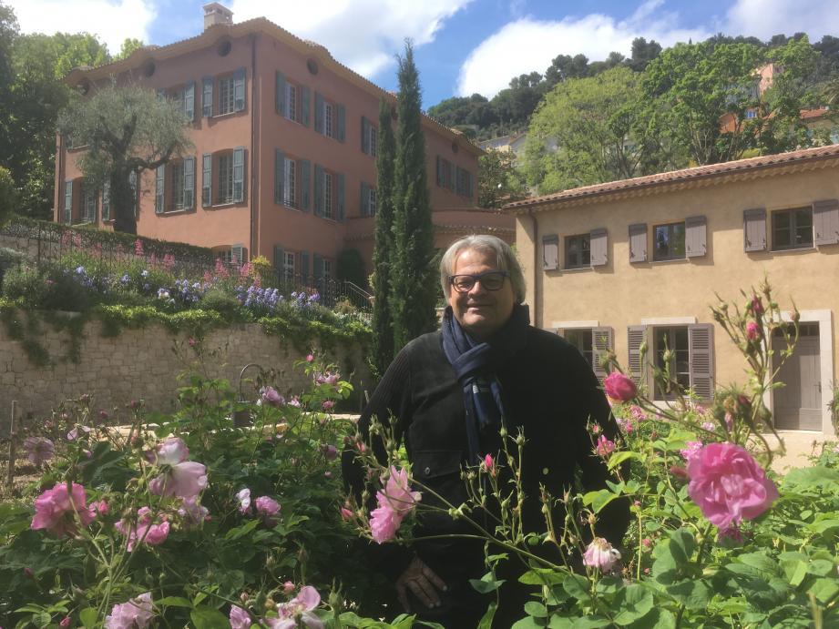 Jacques Cavallier Belletrud dévoile ses quatre dernières créations : les parfums de Cologne Sun song, Cactus garden et Afternoon swim ainsi que Les Sables roses.