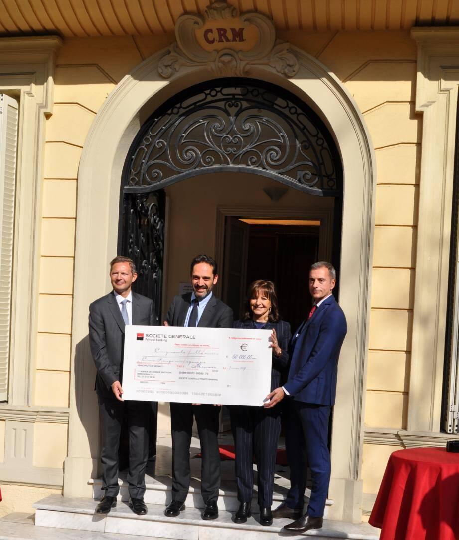 La somme de 50 000 euros a été remise par la banque à l'association. (DR)