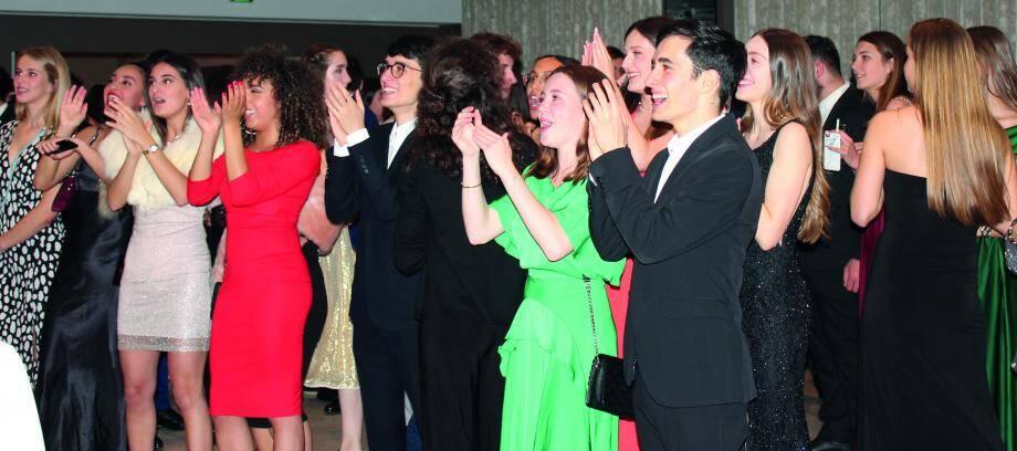 La troisième édition du bal des Terminales a été organisé samedi au Salon Bellevue du Café de Paris.(DR)