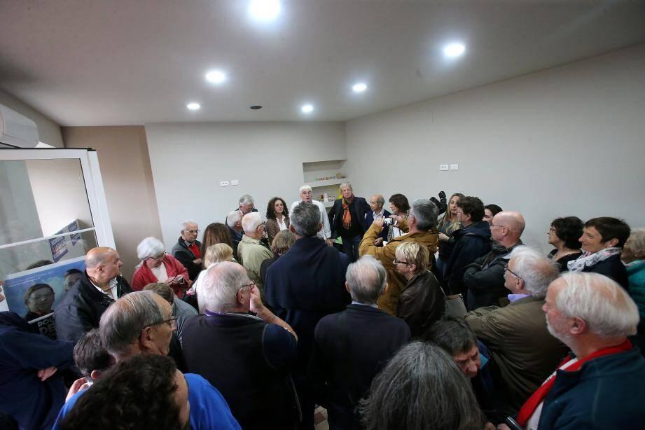 Les militants étaient venus nombreux assister à l'inauguration du local, totalement rénové.