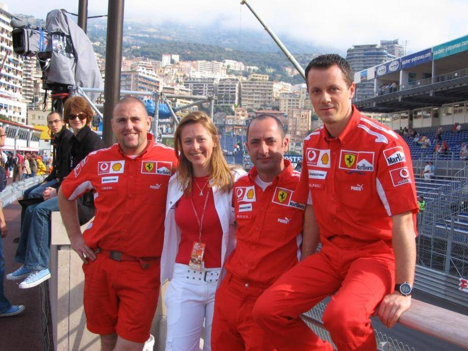 Sonya Lottin au côté de la Scudéria Ferrari