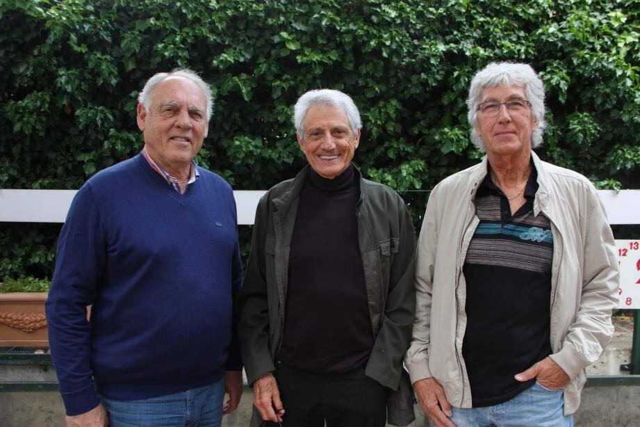 De g. à d. : Edgar Berti, Henri Zenati, Robert Zuttion,  éléments incontournables d'une ASM abonnée à la coupe Korac dans les années 70.
