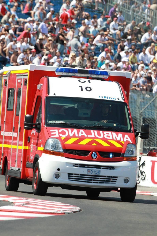 Une prise en charge optimale du blessé est possible sur la piste.