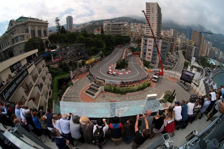 La vue spectaculaire depuis la tribune posée sur le toit de l'établissement est précisément l'un des spots les plus impressionnants du circuit.