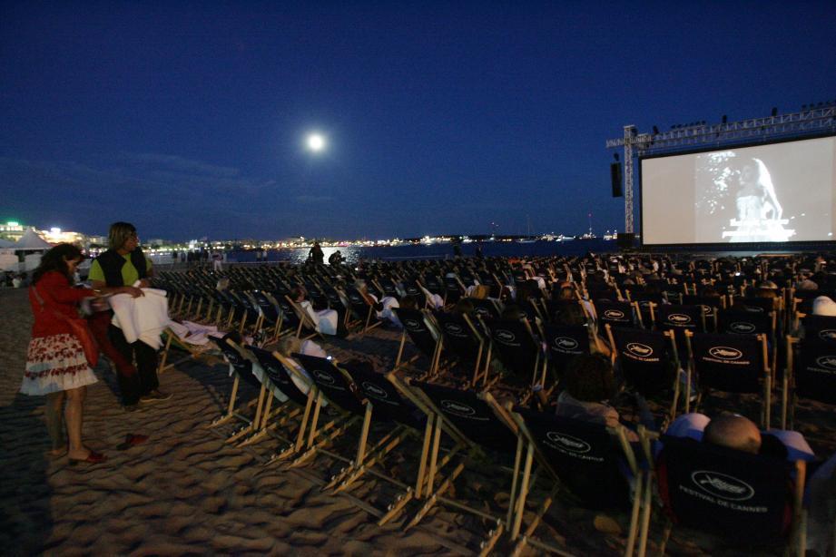 Le cinéma de la plage pendant le Festival de Cannes.