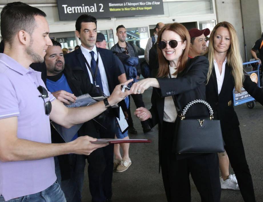Julianne Moore à l'aéroport de Nice, ce lundi matin.