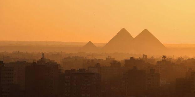 L'explosion s'est produite à proximité des célèbres pyramides égyptiennes de Guizeh,