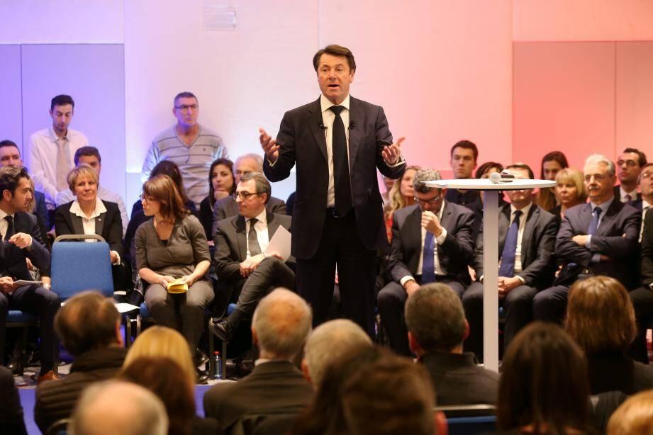 Christian Estrosi lors d'une réunion publique de La France audacieuse.