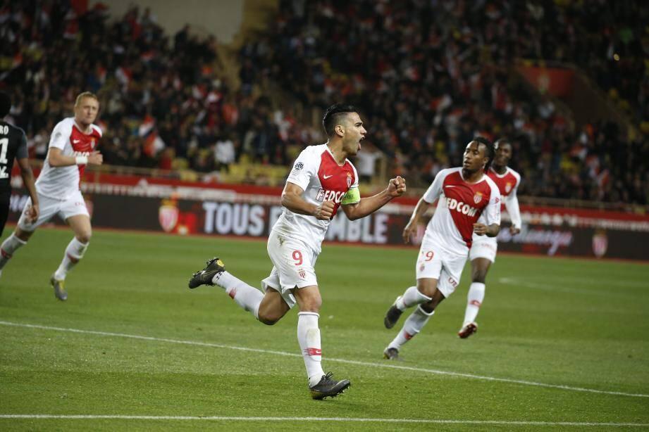 Falcao après l'ouverture du score face à Amiens.
