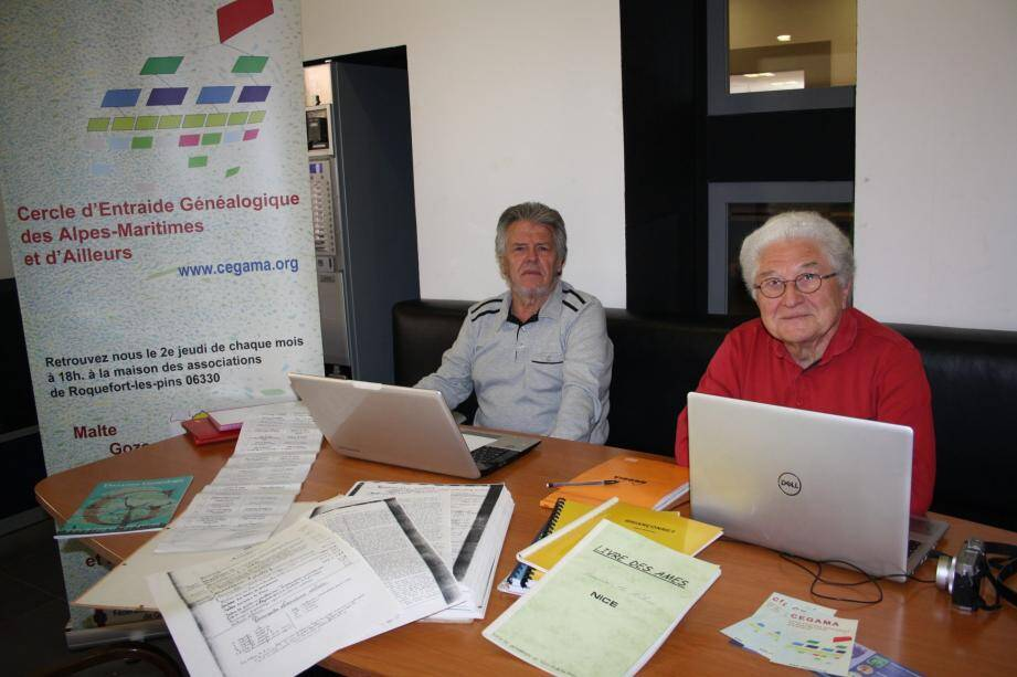 Jean-Luc Dantan, membre de l'association, et le président, Francel Genauzeau, pourront vous initier à la généalogie.