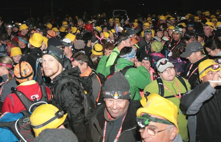 Le départ, un moment incroyable avec les 1.800 participants au taquet et impatients de marcher.