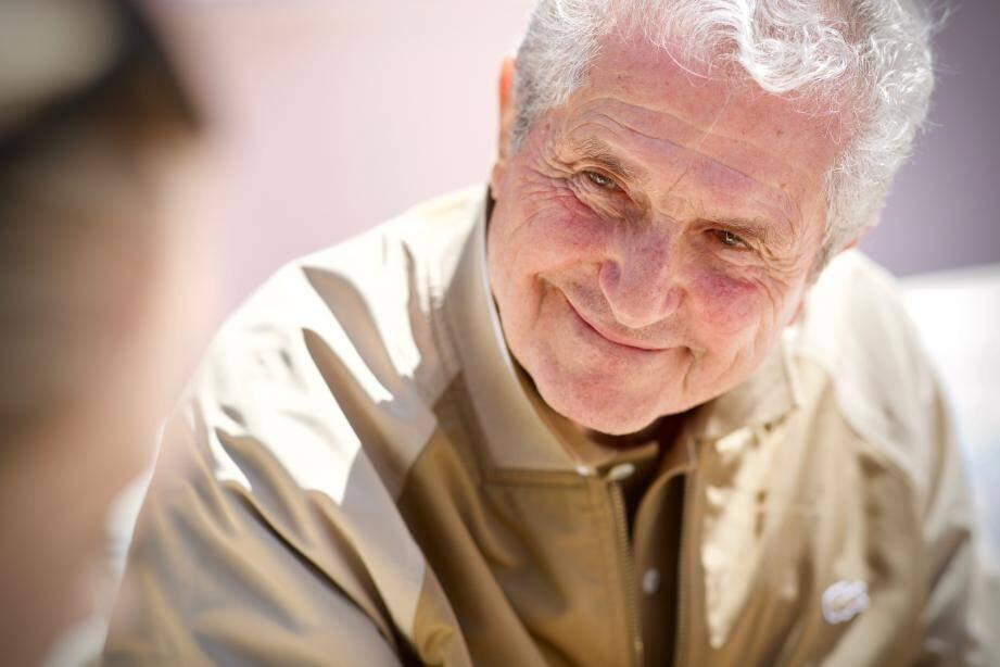Claude Lelouch se dit « né il y a 53 ans à Cannes » lorsqu'il a reçu la Palme d'or pour Un homme et une femme.