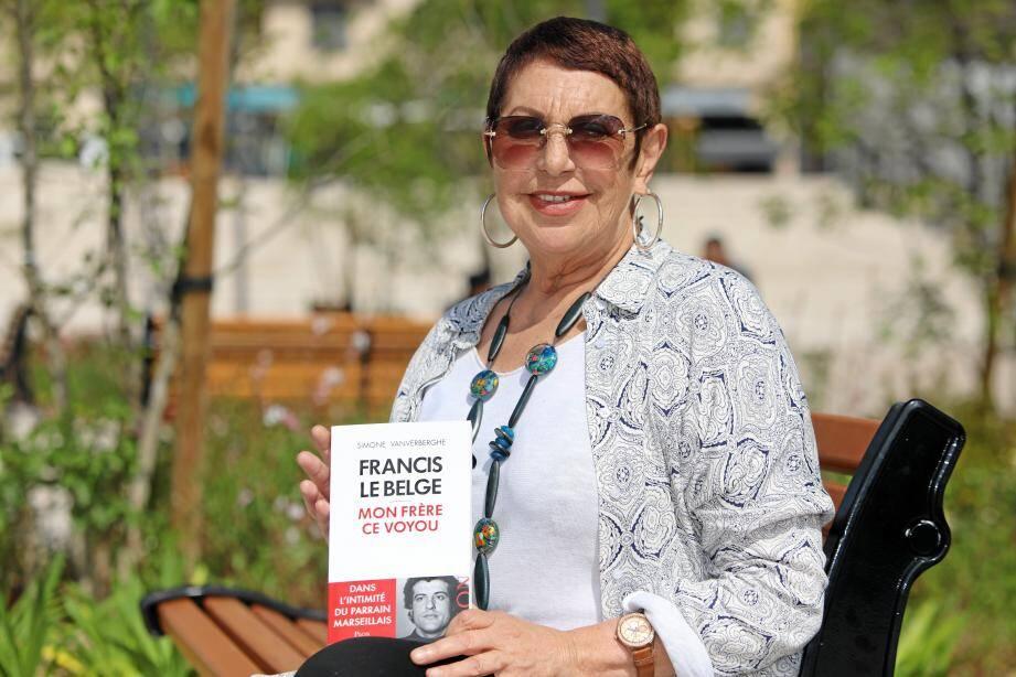 """Simone Vanverberghe dédicace son ouvrage sur """"Francis le Belge"""" samedi à Cagnes."""