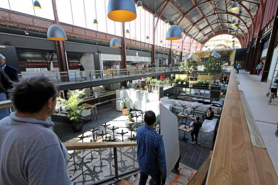 Derniers ajustements à la gare du Sud, dont la halle gourmande ouvre samedi.