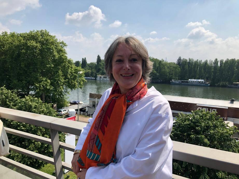Alice Guilhon, directrice générale de l'école de commerce à Suresnes en région parisienne où se trouve le futur campus qui ouvrira ses portes aux étudiants en 2020-21.