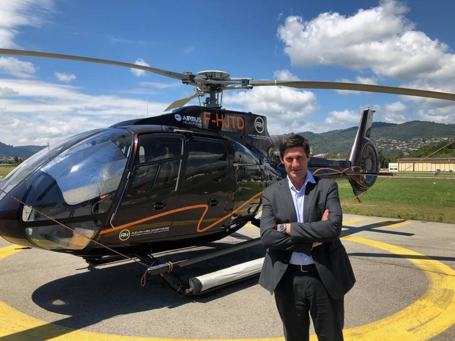 Michel de Rohozinski a débuté en tant que pilote d'hélicoptère avant de fonder àCannes Azur Hélicoptère qui transporte 25.000 passagers par an entre Monaco et Saint-Tropez.