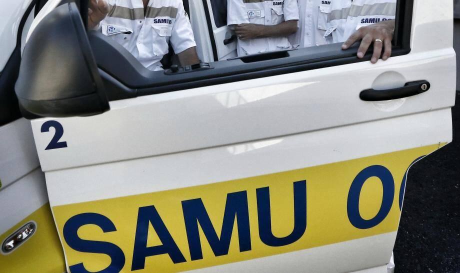 Une équipe du Samu a pris en charge les deux blessés.