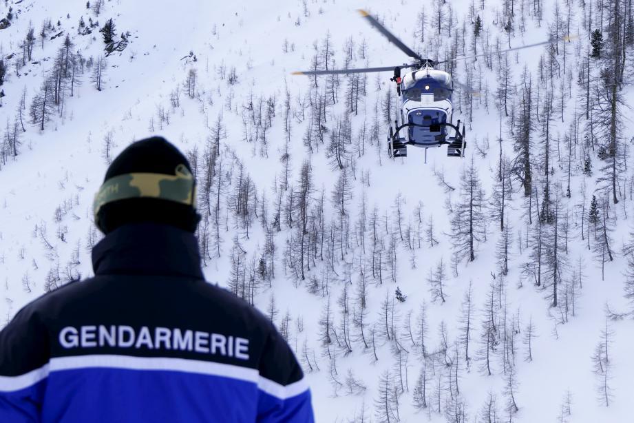 Les gendarmes en action lors d'un exercice de secours avalanche, à Isola 2000, en décembre dernier.