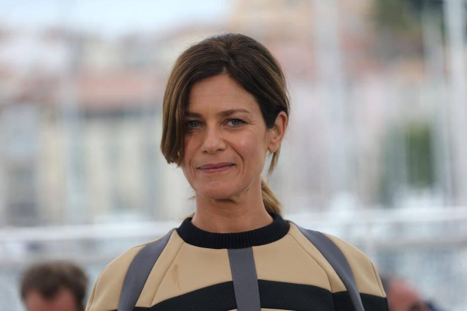 Marina Foïs lors du photocall du film Le Grand Bain, au Festival de Cannes, le 13 mai 2018.