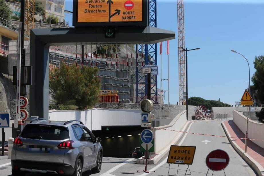 La déviation vers le tunnel Albert II a été levée peu après 16 heures.