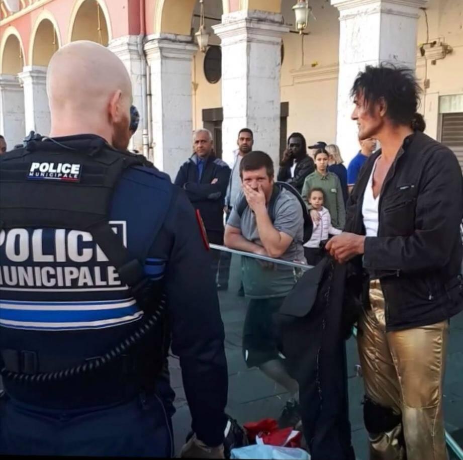 """Andreas, le """"Michael Jackson de la place Masséna"""", délogé par la police le 28 avril dernier."""