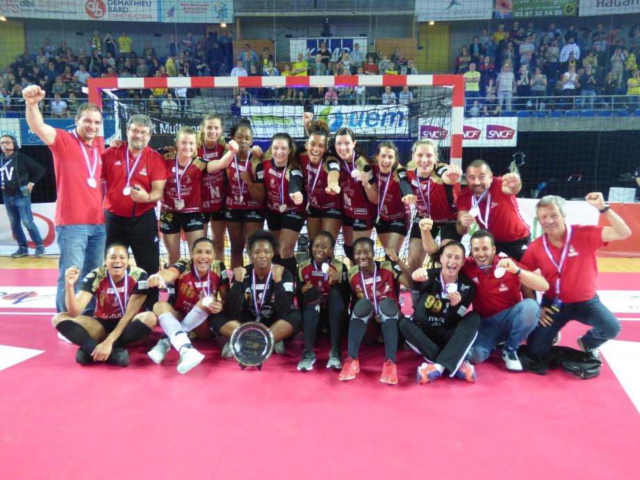 Comme attendu après sa large défaite du match aller (21-33), l'OGC Nice n'est pas parvenu à renverser le cours des choses, ce dimanche 19 mai à Metz, en finale retour du championnat de France féminin de handball.