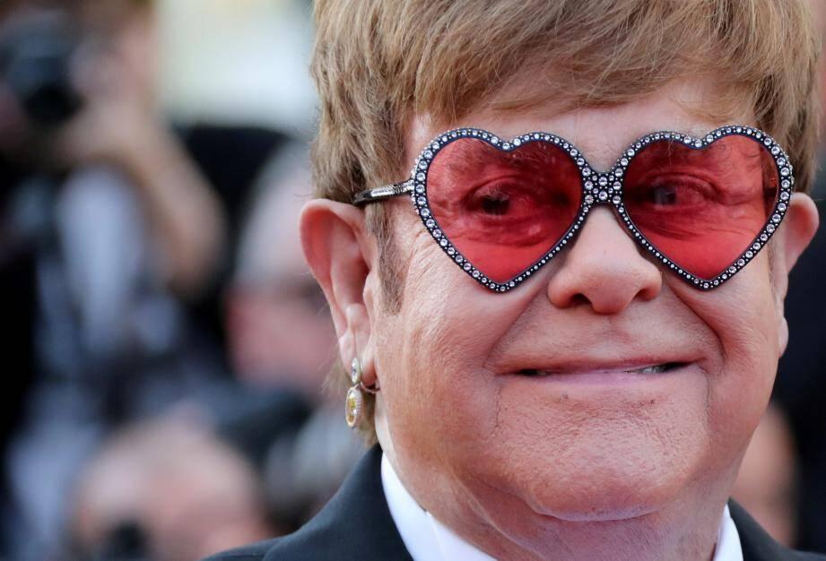 Elton John lors de la montée des marches pour Rocketman, au Festival de Cannes, ce jeudi 16 mai.